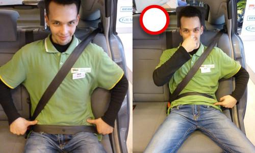 Maciej Bednarczyk demonstruje kolce biodrowe przednie górne (po lewej) oraz jak NIE ZAPINAĆ pasa bezpieczeństwa (po prawej stronie)