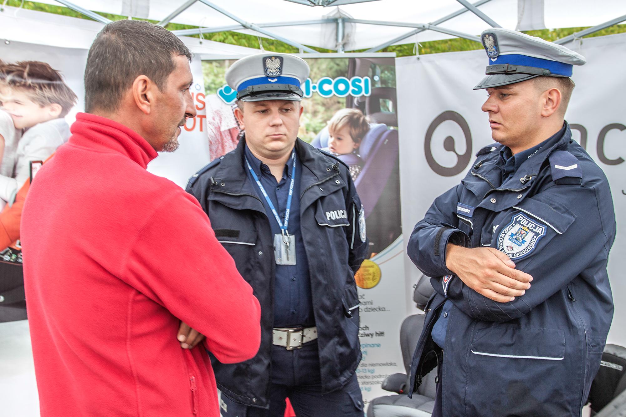 Policja w Poznaniu odwiedziła Ogólnopolskie Inspekcje Fotelików.