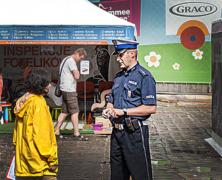 Policja odwiedza inspekcje fotelików