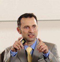 Paweł Kurpiewski - Ekspert ds. bezpieczeństwa dzieci w samochodach