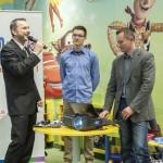 Grzegorz Izydorczyk wraz z Pawłem Kurpiewskim i Michałem Korejbą podczas premiery bloga Foteliki Pod Lupą.
