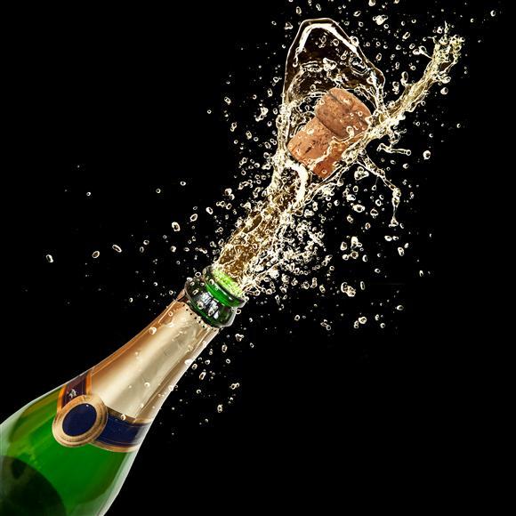 Na premierze zabrakło… szampana!