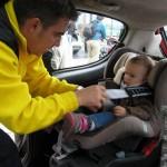 Drobiazgowa kontrola bezpieczeństwa dziecka w foteliku to element każdej z inspekcji