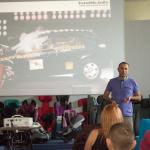Prezentowane są filmy z crash-testów.