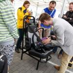 Konkurs montowania fotelika na czas LOTOS Mistrzowie w pasach