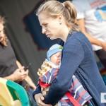 Rodzice odwiedzają Ogólnopolskie Inspekcje Fotelików z najmniejszymi dziećmi